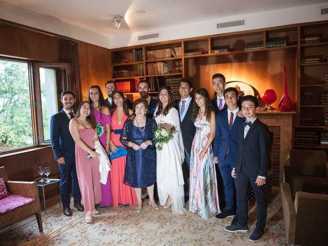 La boda de Alberto y Henar en Santander, Cantabria 32