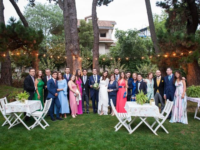 La boda de Alberto y Henar en Santander, Cantabria 33