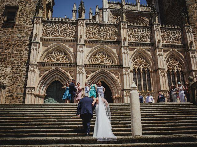 La boda de Fernando y Nadia en Guadalupe, Cáceres 5