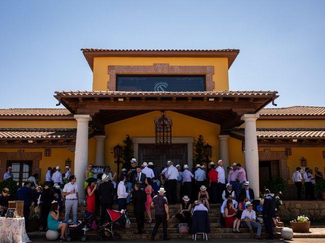 La boda de Fernando y Nadia en Guadalupe, Cáceres 19