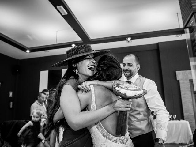 La boda de Fernando y Nadia en Guadalupe, Cáceres 23