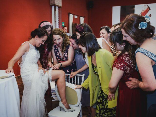 La boda de Fernando y Nadia en Guadalupe, Cáceres 24