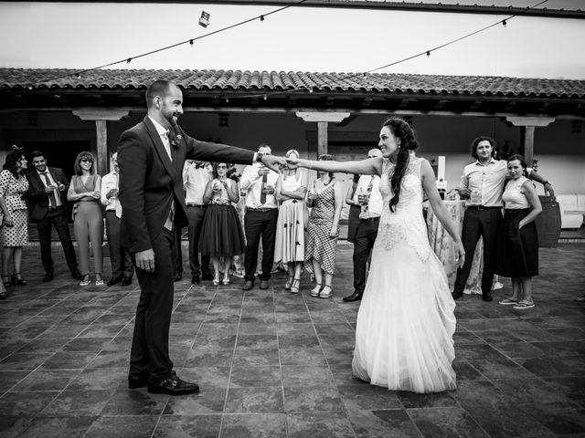 La boda de Fernando y Nadia en Guadalupe, Cáceres 41