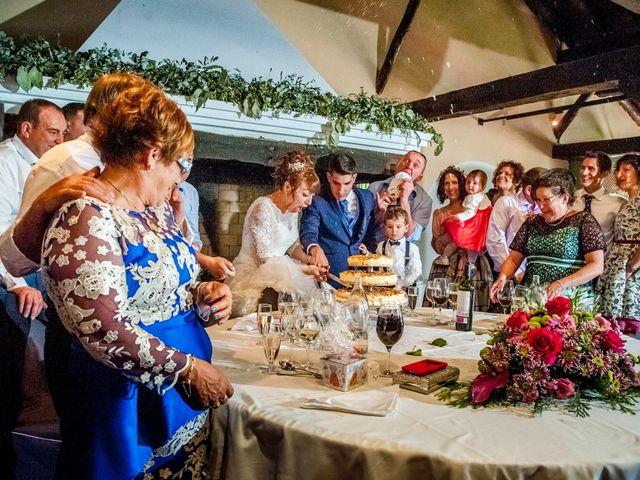 La boda de Hector y Laura en Torrecaballeros, Segovia 16