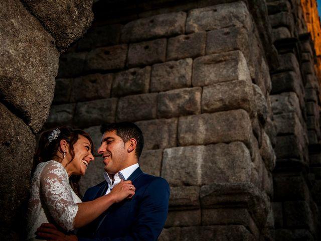 La boda de Hector y Laura en Torrecaballeros, Segovia 21