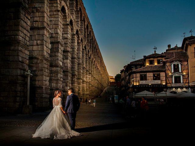 La boda de Hector y Laura en Torrecaballeros, Segovia 22