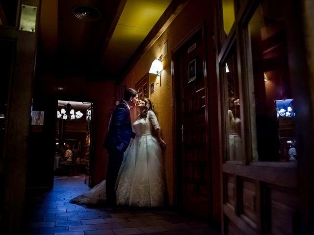 La boda de Hector y Laura en Torrecaballeros, Segovia 26