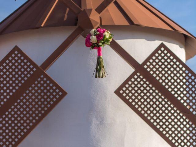 La boda de Emiliano y Raquel en Villagarcia Del Llano, Cuenca 12
