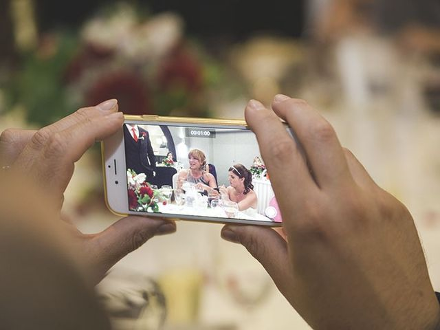 La boda de Toni y Valentina en Sant Boi De Llobregat, Barcelona 15