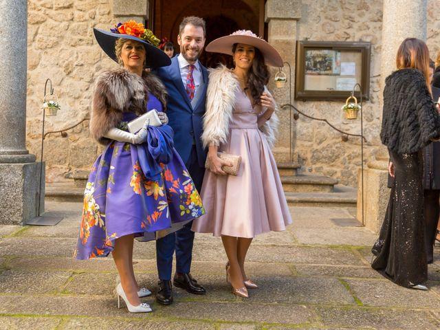 La boda de Raúl y Silvia en Navarredonda De Gredos, Ávila 23