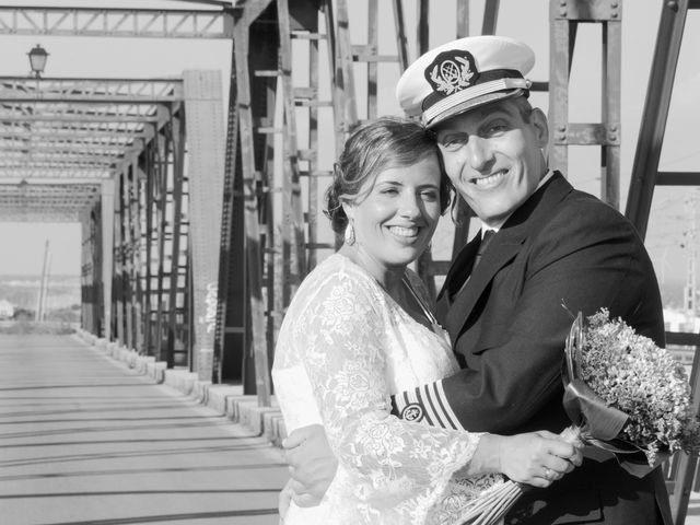 La boda de Javier y Lorena en San Fernando, Cádiz 10