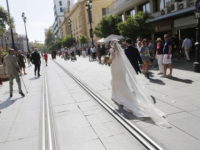 La boda de Guillermo y Patricia en Sevilla, Sevilla 16