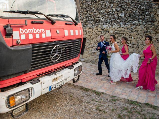 La boda de Fran y Jannette en El Pont De Vilumara I Rocafort, Barcelona 26