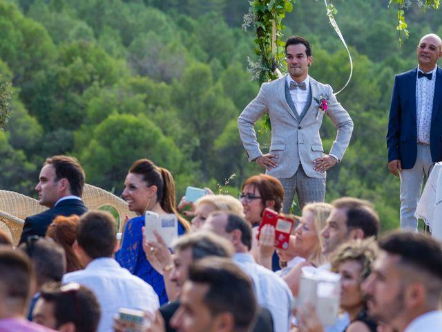 La boda de Fran y Jannette en El Pont De Vilumara I Rocafort, Barcelona 28