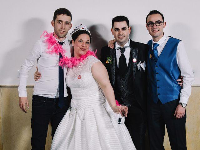 La boda de Higinio y Davinia en Alzira, Valencia 240