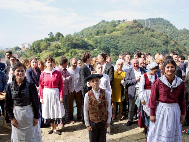 La boda de Alex y Miriam en Pasai Donibane, Guipúzcoa 18