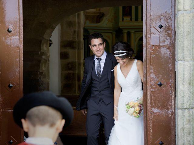 La boda de Alex y Miriam en Pasai Donibane, Guipúzcoa 19