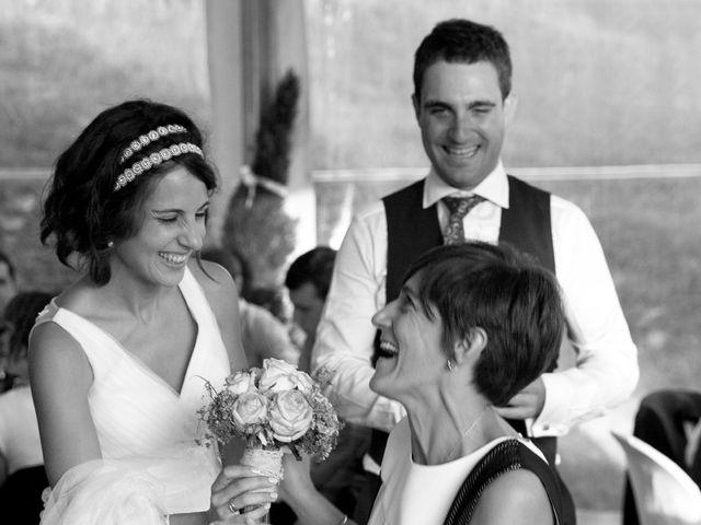 La boda de Alex y Miriam en Pasai Donibane, Guipúzcoa 27