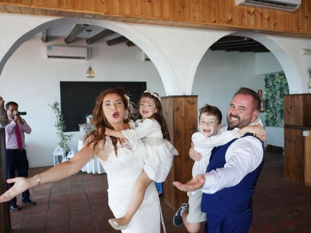 La boda de Rafa y Irene en Benajarafe, Málaga 10