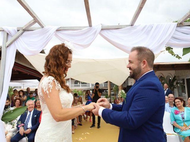 La boda de Rafa y Irene en Benajarafe, Málaga 15