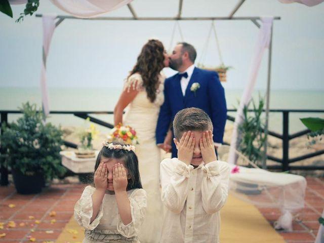 La boda de Rafa y Irene en Benajarafe, Málaga 18