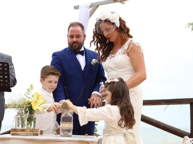 La boda de Rafa y Irene en Benajarafe, Málaga 21