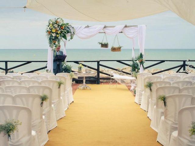 La boda de Rafa y Irene en Benajarafe, Málaga 22
