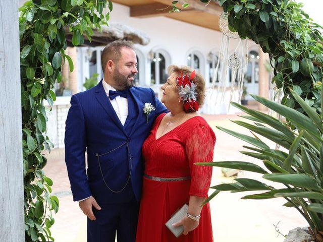 La boda de Rafa y Irene en Benajarafe, Málaga 23