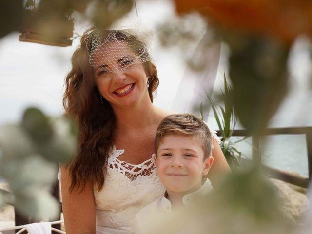 La boda de Rafa y Irene en Benajarafe, Málaga 24