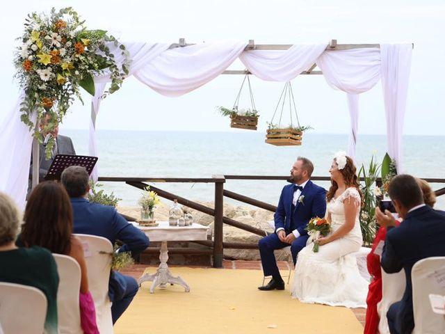 La boda de Rafa y Irene en Benajarafe, Málaga 29