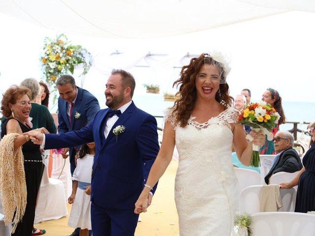 La boda de Rafa y Irene en Benajarafe, Málaga 31