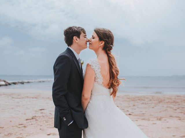 La boda de David y Gloria en Castelló/castellón De La Plana, Castellón 30