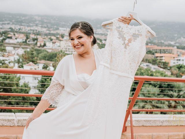 La boda de Aaron y Darlenys en Santa Cruz De Tenerife, Santa Cruz de Tenerife 13