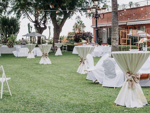 La boda de Aaron y Darlenys en Santa Cruz De Tenerife, Santa Cruz de Tenerife 21
