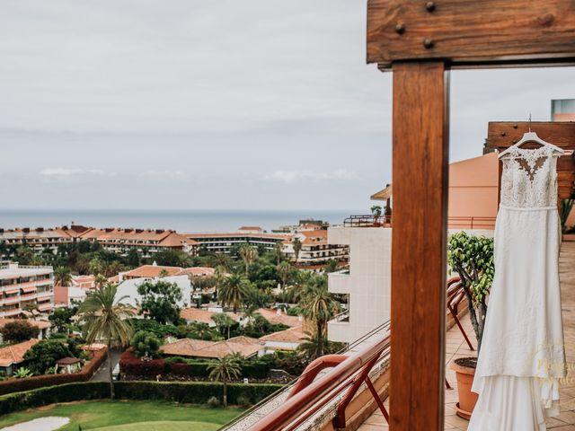 La boda de Aaron y Darlenys en Santa Cruz De Tenerife, Santa Cruz de Tenerife 35