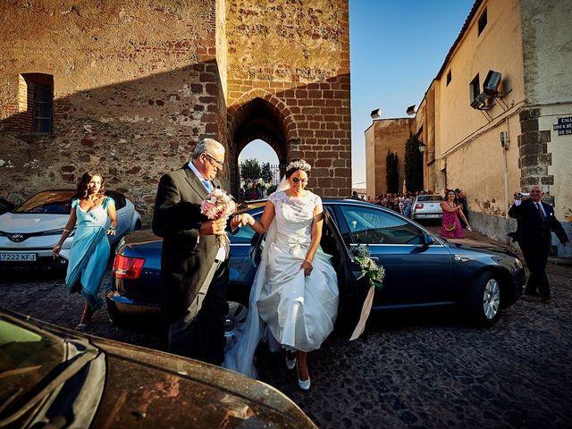 La boda de Sergio y Fatima en Higuera La Real, Badajoz 12