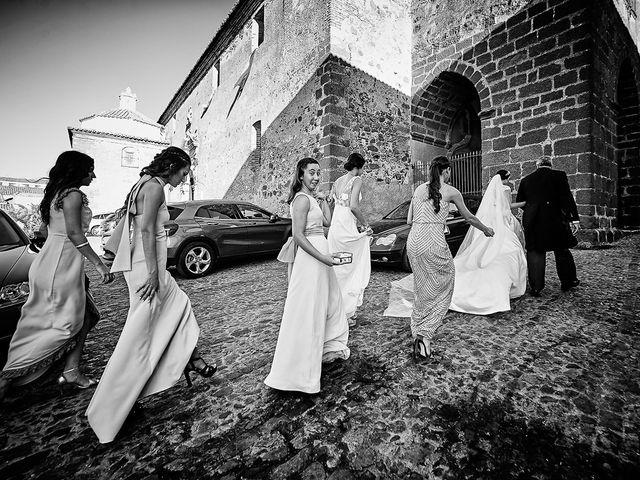 La boda de Sergio y Fatima en Higuera La Real, Badajoz 13