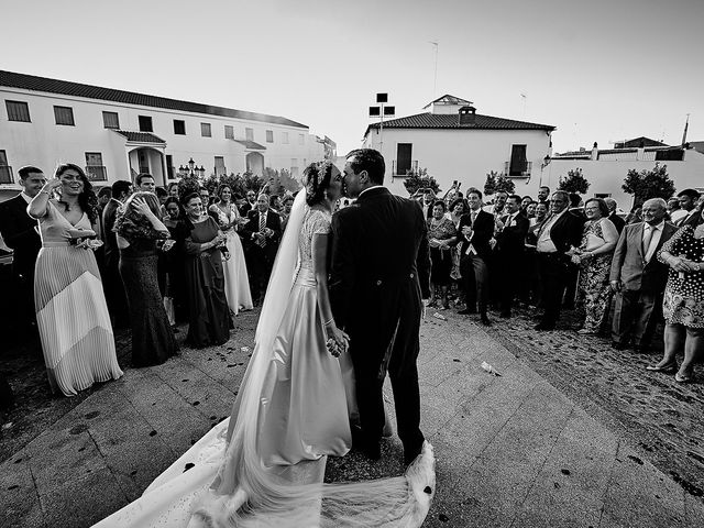 La boda de Sergio y Fatima en Higuera La Real, Badajoz 19