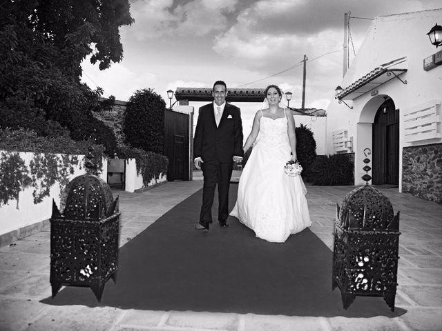 La boda de Manolo y Lorena en Velez Malaga, Málaga 15