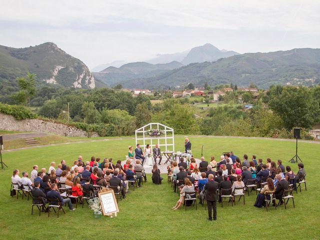 La boda de Emilio y Cristina en Las Caldas, Asturias 33