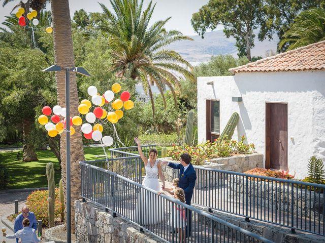 La boda de Javier y Cristina en Juan Grande, Las Palmas 53