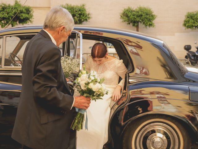 La boda de Ana y Fernando en Sevilla, Sevilla 15