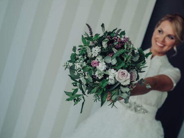 La boda de Mari y Mar en Benidorm, Alicante 22