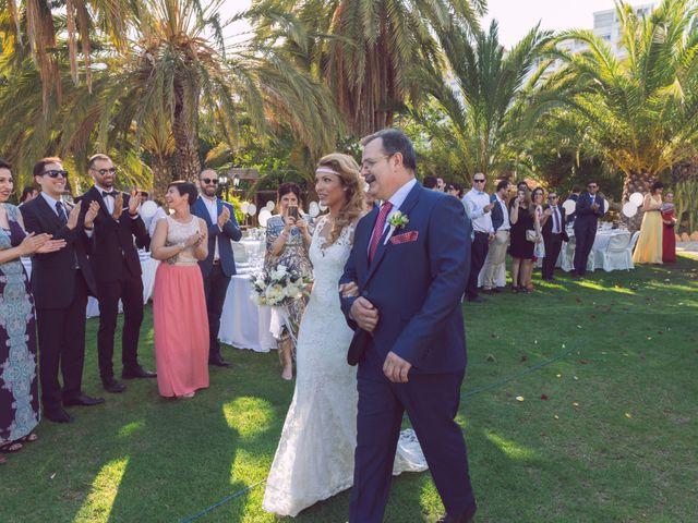 La boda de Juan Manuel y Lidia en La/villajoyosa Vila Joiosa, Alicante 7