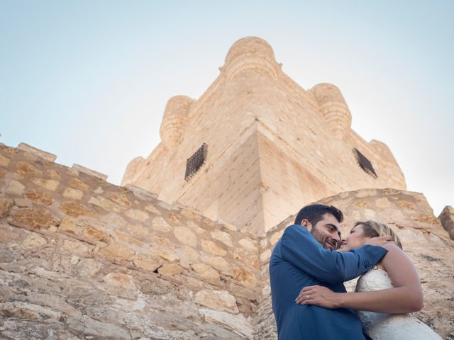 La boda de Juan Manuel y Lidia en La/villajoyosa Vila Joiosa, Alicante 21