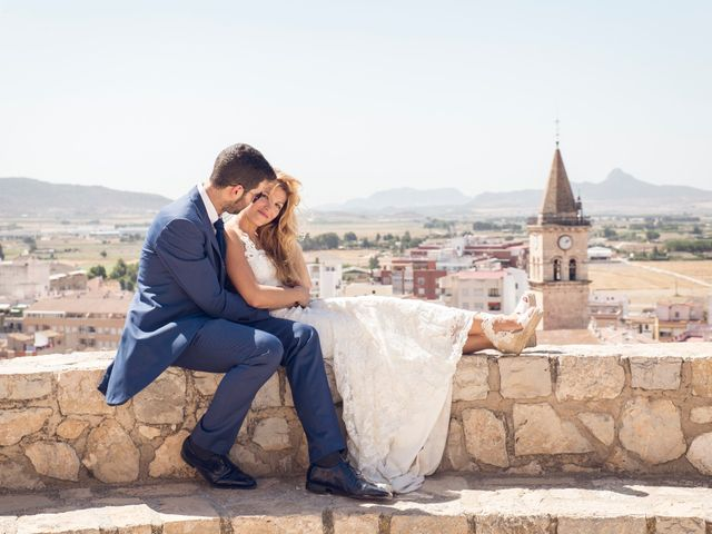 La boda de Juan Manuel y Lidia en La/villajoyosa Vila Joiosa, Alicante 22