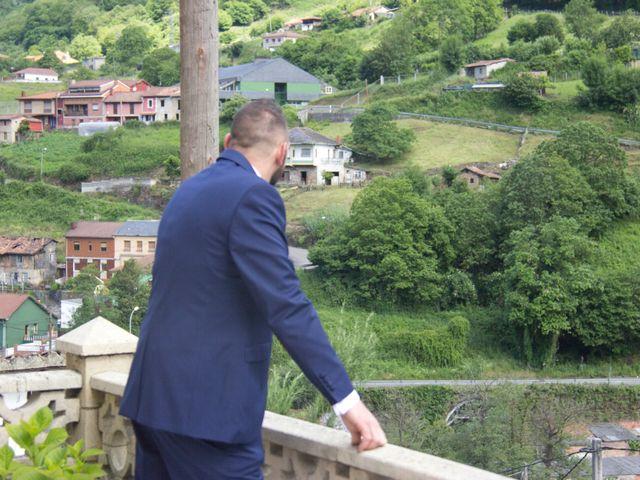 La boda de Luis Ángel y Olaya en Mieres, Asturias 38