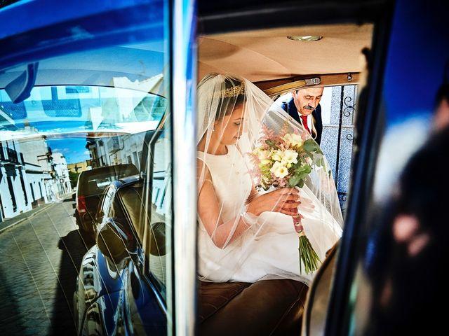 La boda de Carlos y Nuria en Villafranca De Los Barros, Badajoz 12