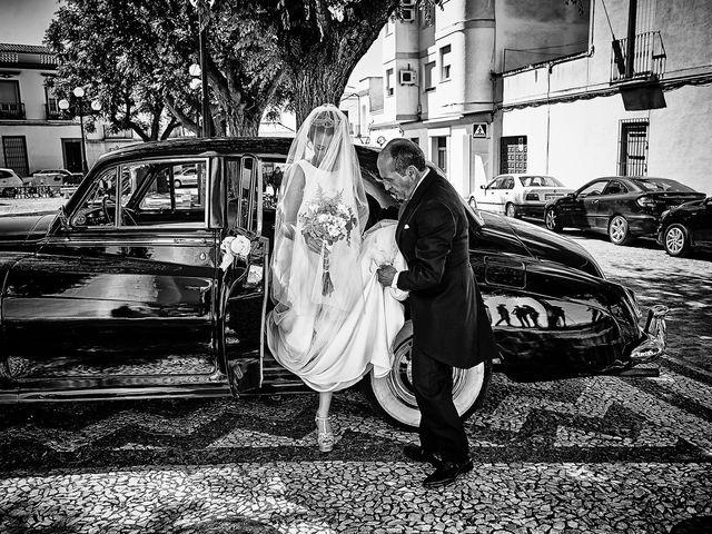 La boda de Carlos y Nuria en Villafranca De Los Barros, Badajoz 13