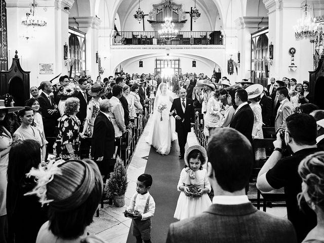 La boda de Carlos y Nuria en Villafranca De Los Barros, Badajoz 16